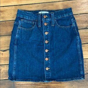 Madewell button down denim skirt size 23